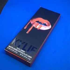 "NIB Kylie Lip Kit ""Autumn"" Matte ***Authentic**"
